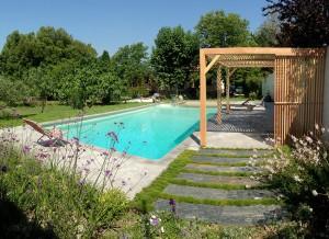 Pergola contemporaine bois Aix-en-Provence Christophe Naudier architecte paysagiste - Création jardin