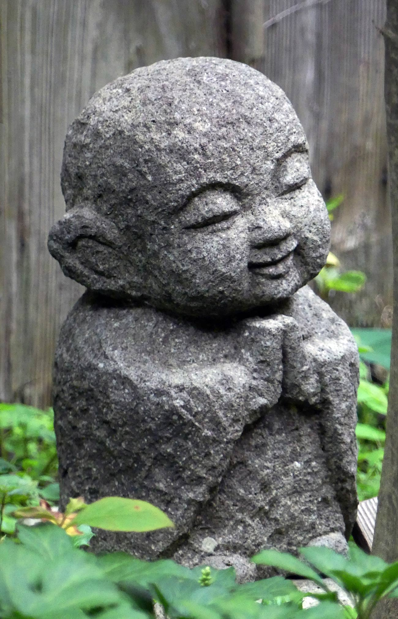 Bouddha japonais jizo - jardin japon - Architecte paysagiste concepteur - Atelier Naudier - Montpellier & Aix en Provence - aménagement jardin