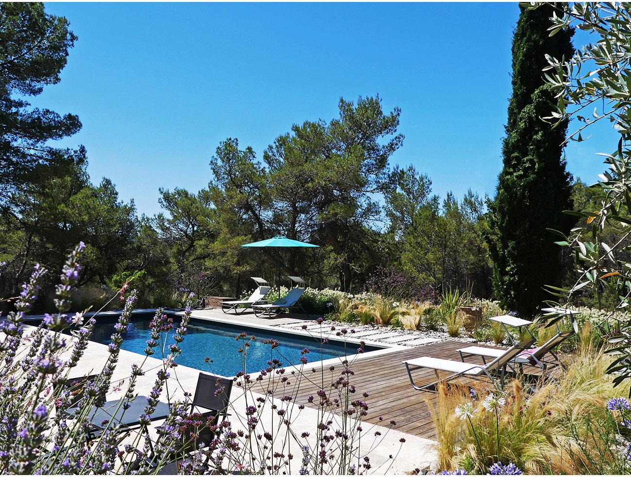 Atelier Naudier - Architecte paysagiste concepteur - Montpellier et Aix en Provence - Jardin de piscine naturel - aménagement jardin