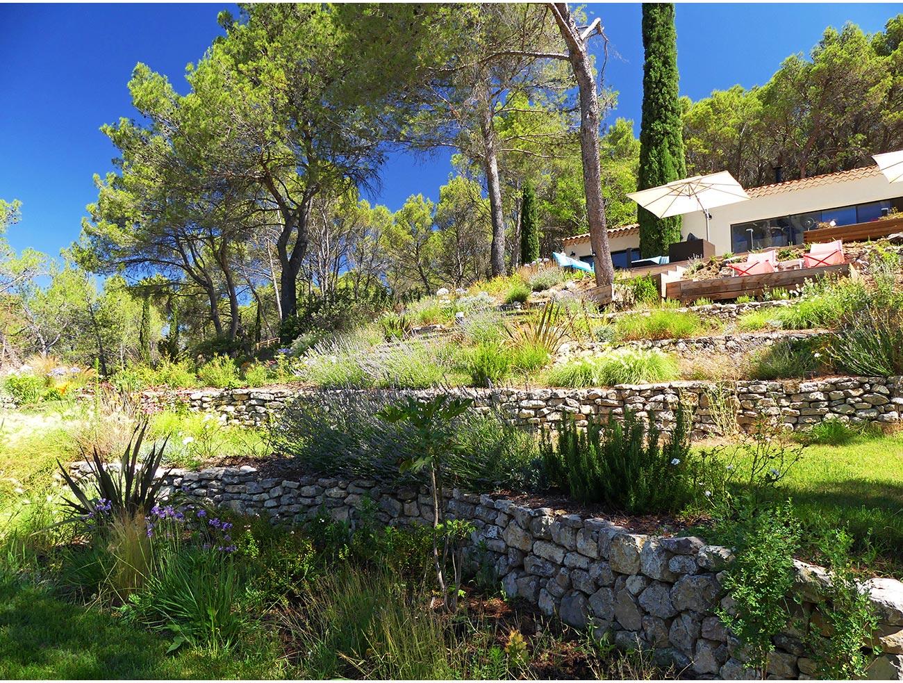 Atelier Naudier - Architecte paysagiste concepteur - Montpellier et Aix en Provence - Jardin en restanque naturaliste - aménagement jardin