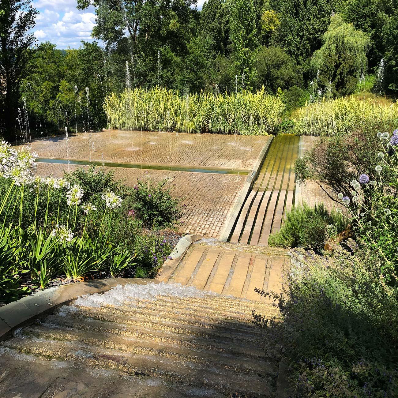 JARDIN DE L IMAGINAIRE - fontaine et chemin d eau - Atelier Naudier - Architecte Paysagiste Concepteur -Montpellier & Aix-en-Provence