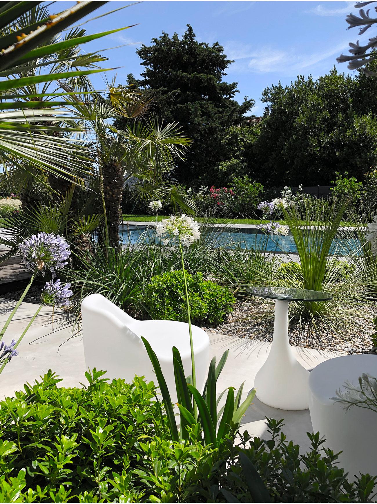Atelier Naudier - Architecte paysagiste concepteur - Montpellier & Aix-en-Provence - Piscine miroir & Jardin méditerranéen - Création et aménagement jardin